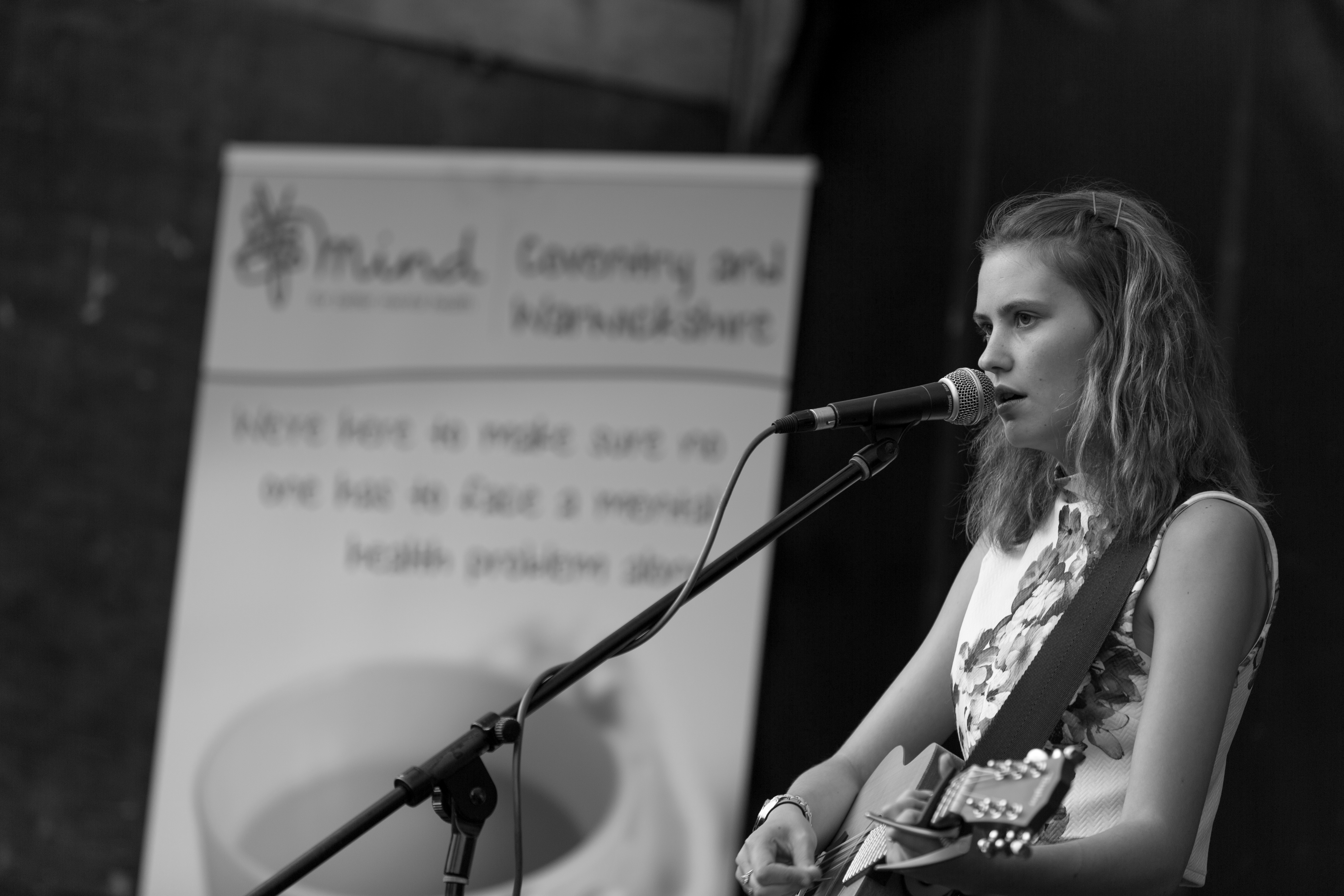 Kiaya Lyons, stage at Crownfest 2016, just a girl and her guitar, acoustic performer, coventry, charity gig